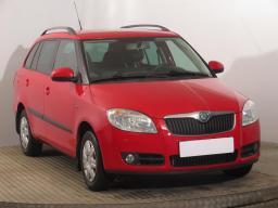 Škoda Fabia 2009 Combi červená 2