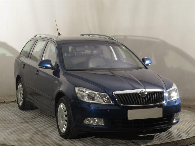 Škoda Octavia Combi (2009, 2.0 TDI)