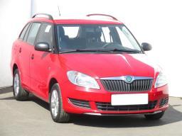 Škoda Fabia 2012 Combi červená 1
