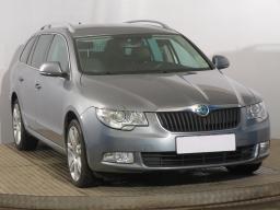 Škoda Superb 2012 Combi šedá 10