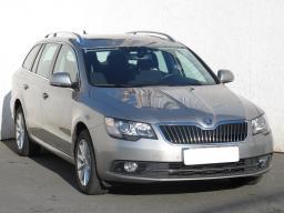 Škoda Superb 2014 Combi šedá 3