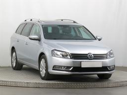 Volkswagen Passat 2013 Combi šedá 3