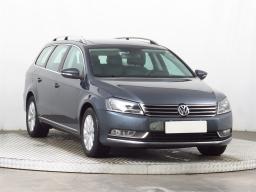 Volkswagen Passat 2014 Combi šedá 2
