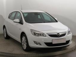 Opel Astra 2010 Hatchback bílá 6