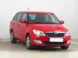 Škoda Fabia 2015 Combi červená 9
