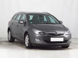 Opel Astra 2011 Combi šedá 2