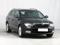Škoda Superb 2012 Combi Černá 9