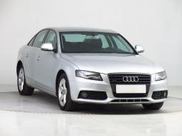 Audi A4 2011 Sedan stříbrná 2