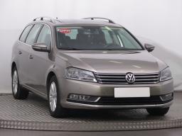 Volkswagen Passat 2014 Combi hnědá 7