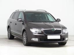 Škoda Superb 2012 Combi hnědá 10
