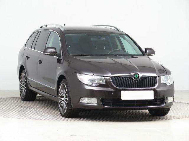 Škoda Superb Combi (2012, 2.0 TDI)