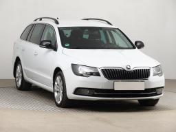 Škoda Superb 2015 Combi bílá 4