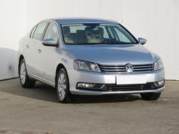 Volkswagen Passat 2012 Sedan stříbrná 2
