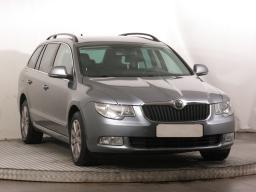 Škoda Superb 2012 Combi šedá 5